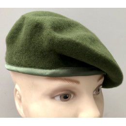 Boina verde GOE sin emblema